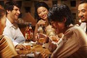 有哪些句子是用来形容酒量大的?